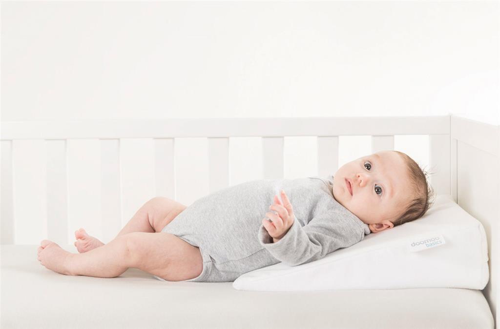 Delta Baby Kussen : Kussen rest easy klein hellend vlak deltababy the babys corner